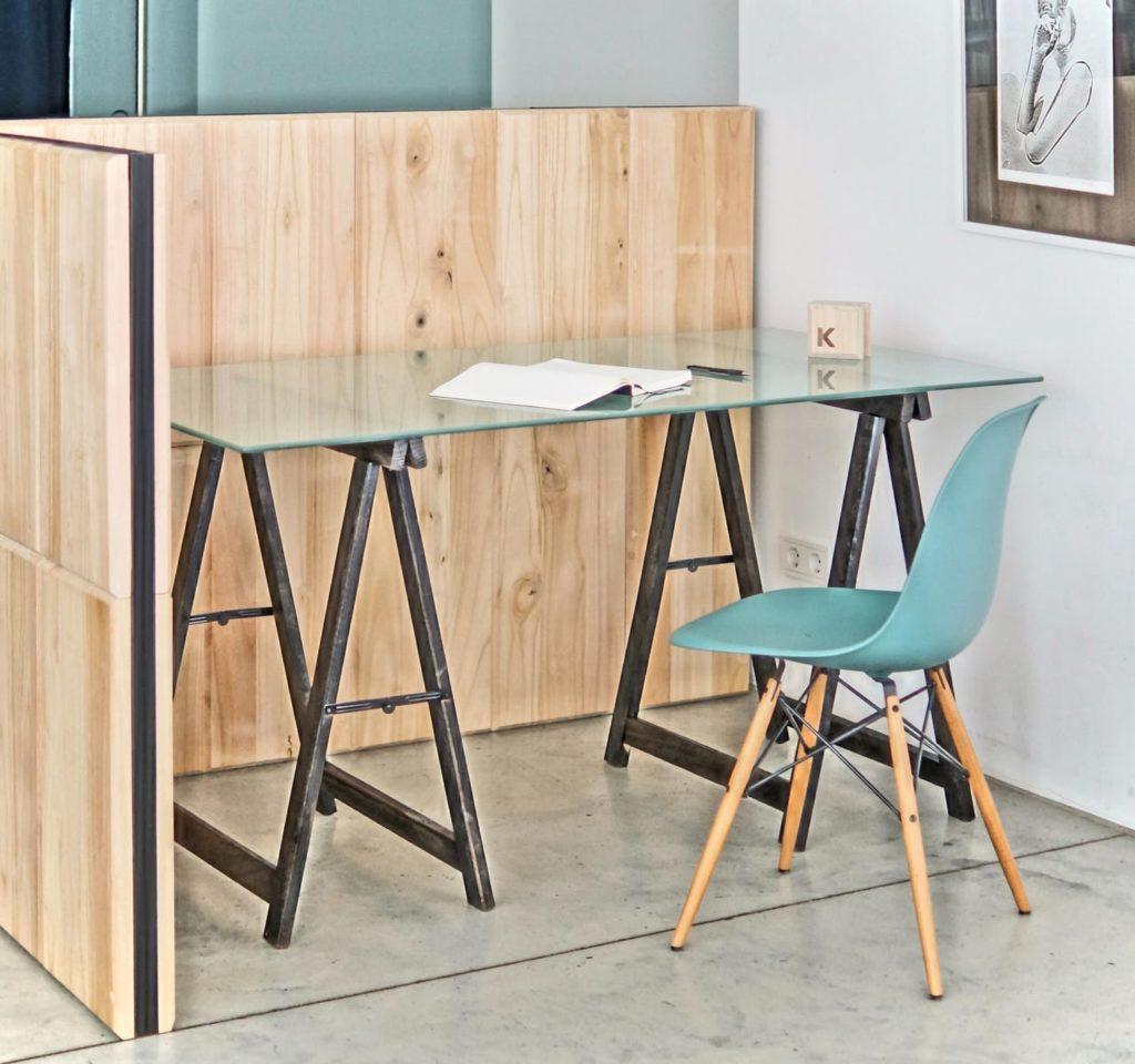 Raumteiler aus Holz fürs Homeoffice